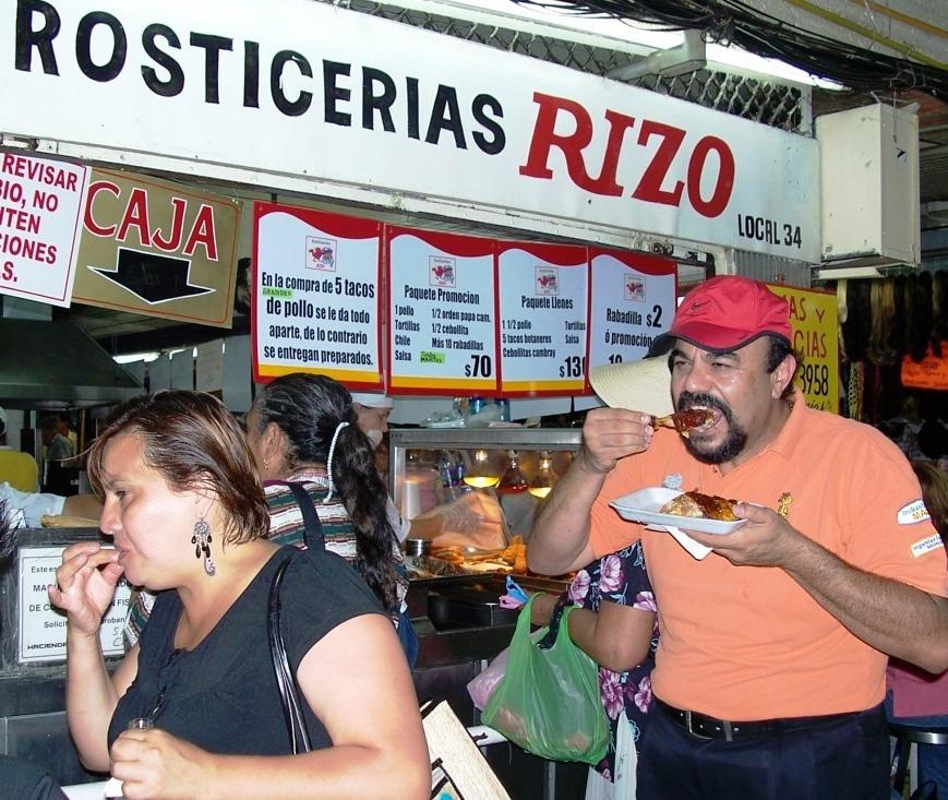 foto-comiendo-rosticeria-rizo